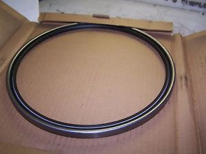 NEW SKF Sealing Solutions 1102080 Rotary Shaft Seal