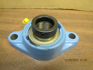 NEW SKF YEL-205-100 FLANGE BEARING W/ LOCKING COLLAR YEL205100