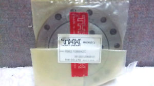 THK CROSS ROLLER BEARING RB62-1086642C MAD62572 NEW RB621086642C MAD62572