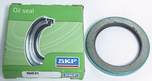 "SKF / CHICAGO RAWHIDE CR 19831 OIL SEAL, 2.000"" x 2.750"" x .3125"""