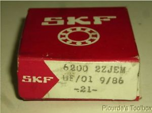 New SKF 10mm ID x 30mm OD x 9mm Deep Groove Radial Ball Bearing, 6200-2ZJEM